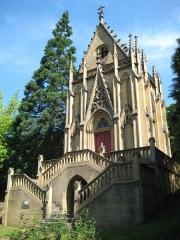 Cimetière -  La chapelle sépulcrale de la famille de Wendel, Hayange (voyez ici)