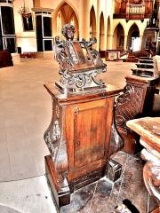 Abbaye - Français:   Un des deux lutrins de l\'église de Remiremont. Vosges
