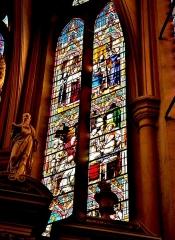 Abbaye - Français:   Vitrail du choeur de l\'église de Remiremont. Vosges