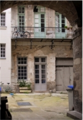 Hôtel Harrouys - Français:   Porche intérieur de l'immeuble situé au n°14 rue du château, Nantes