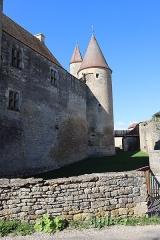 Château de Châteauneuf, actuellement musée - Français:   Extérieur du château de Châteauneuf (21).