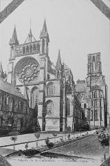 Ancien évéché et chapelle - Français:   sur une carte postale conservé à Reims.