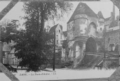 Porte d'Ardon - Français:   issu d'une carte postale conservée à R>eims.
