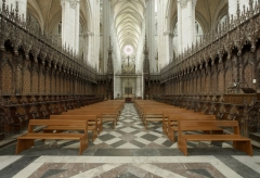 Cathédrale Notre-Dame - Français:   Stalles, conçues par les maîtres huchiers Arnould Boulin, Antoine Avernier et Alexandre Huet, elles furent exécutées en 11 ans, de 1508 à 1519.