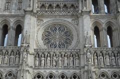 Cathédrale Notre-Dame - Français:   Rosace de la cathédrale d'Amiens.