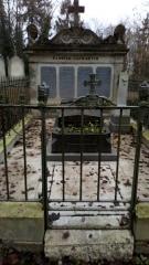Cimetière de la Madeleine - Français:   Cimetière de La Madeleine d\'Amiens, tombe de la famille Caumartin