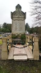 Cimetière de la Madeleine - Français:   Cimetière de La Madeleine d\'Amiens, tombe  de la famille Delaporte