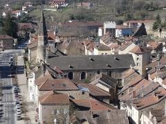 Eglise - Français:   Depuis la colline Saint-Hippolyte.