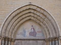 Eglise - Français:   Haut du portail.