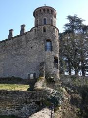 Tour de l'Horloge et tour carrée Saint-Hippolyte - Français:   Tour Saint-Hippolyte.