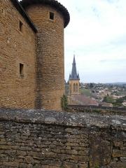 Château - Français:   Vue sur l'église.