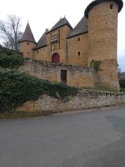 Château - Français:   Entrée du château.