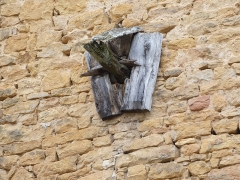 Château - Français:   Support d'une poutre dans le mur du château.