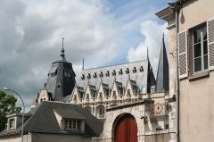 Hôtel des Postes - Français:   Vue sur l'Hôtel des Postes de Chartres (France) depuis la rue Collin d'Harleville, au nord de l'église Sainte-Foy.