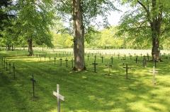 Monument du cimetière militaire allemand - Français:   Le cimetière allemand