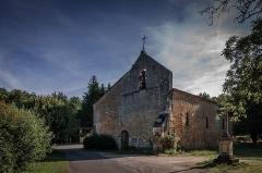 Château de Monclar - Français:   Au hameau de Saint-Georges traversé par le cours d'eau du même nom, se trouve l'église du XIe siècle.