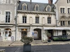 Maisons canoniales - Français:   Maison, 4 cloître Notre-Dame, Chartres.