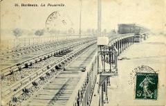 Pont ferroviaire Saint-Jean, habituellement désigné sous le nom de passerelle Eiffel -