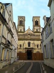 Église Saint-Jacques - Italiano:   Chiesa di San Giacomo à Châtellerault