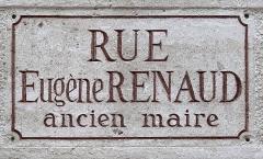 Hôtel de ville de Vincennes - Français:   Plaque de la rue Eugène Renaud, Vincennes.