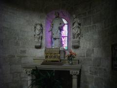 Eglise Saint-Martin - Français:   Église Saint-Martin de Vertus (Marne, France), reliquaire de saint Vincent et statues