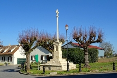 Croix de chemin - Français:   Croix hosannière d\'Épiais-lès-Louvres - voir le titre du fichier.