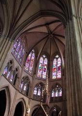 Cathédrale Notre-Dame - Français:   Vitraux de la cathédrale Notre-Dame de Bayonne
