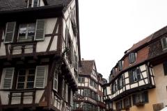 Maison - English:   France. Grand Est, Haut-Rhin. Colmar. . A street view. House façades in timberwork. . Cultural heritage; Cultural heritage|Monuments; Cultural heritage|Monuments|Private house; Europe|France; Europe|France|Grand Est; Europe|France|Grand Est|Haut-Rhin; Europe|France|Grand Est|Haut-Rhin|Colmar. Ref: PM_049880_F_Colmar. Photo: Paul M.R. Maeyaert. www.polmayer.com. © Paul M.R. Maeyaert; pmrmaeyaert@gmail.com. DO NOT CHANGE THE FILE NAME. NE PAS CHANGER LE NOM DE FICHIER.