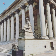Bourse - Français:   Palais Brongniart à Paris.
