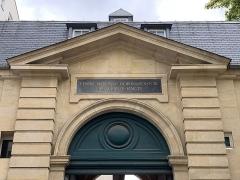 Ancienne caserne des Mousquetaires Noirs, dans l'actuel Hôpital des Quinze-Vingts (Centre d'ophtalmologie) - Français:   Hôpital des Quinze-Vingts, Paris.
