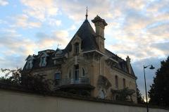 Maison Pierrotet - Français:   Maison Pierrotet, à Fontainebleau.