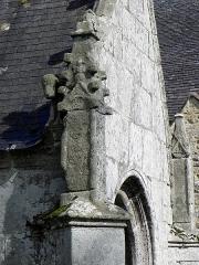 Chapelle de Perguet - Français:   Chapelle Sainte-Brigitte de Perguet en Bénodet (29). Pinacle et sculpture du porche sud.