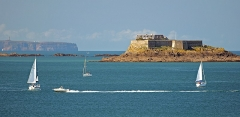 Ile Harbour et son fort - English:   Fort de Harbour. View from the Tower Bidouane. Saint-Malo, France