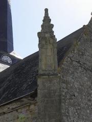 Eglise Saint-Crépin ou Saint-Crépinien - Français:   Pinacle sommant le contrefort d\'angle est de la sacristie,façade nord de l\'église Saint-Crépin et Saint-Crépinien de Rannée (35).