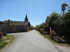 Eglise - Français:   Rue principale de Mont-d\'Astarac.