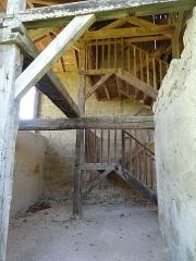 Porte de ville - Français:   Escalier de la tour-porte de Mont-d\'Astarac.