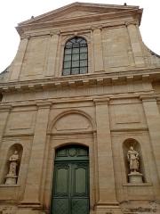 Eglise Notre-Dame-de-la-Platé - English:   Façade rénovée de l\'église de La Platé à Castres