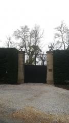 Château de Sendrone - Français:   Le portail du château de Sendrone à Saïx (Tarn)