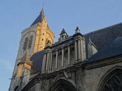 Eglise Notre-Dame - Français:   Clocher soleil église Notre-Dame @ Bourges