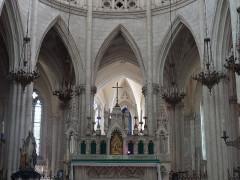Basilique Notre-Dame-des-Enfants - Français:   Autel tabernacle temps ordinaire Basilique Notre-Dame-des-Enfants