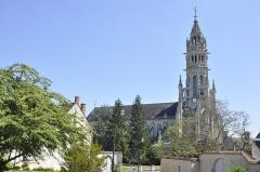 Basilique Notre-Dame-des-Enfants - Français:   Basilique Notre-Dame des Enfants depuis la rue de la ville haute