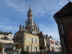Basilique Notre-Dame-des-Enfants - Français:   Clocher Basilique Notre-Dame-des-Enfants vu depuis la rue de Tivoli