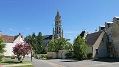 Basilique Notre-Dame-des-Enfants - Français:   Basilique Notre-Dame des Enfants vue depuis la rue du Château