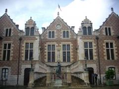 Hôtel Groslot, actuellement Hôtel de ville - Français:   Hôtel Groslot, à Orléans (Loiret, France)