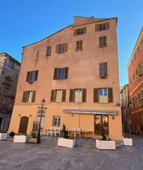 Citadelle et palais du Gouverneur, partiellement aménagé en Musée d'Ethnographie - Corsu:   A Casetta si trova piazza di Corte, in citatella di Bastia, Corsica. Hè stata custruita da a famiglia Tagliacarne