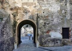 Citadelle et palais du Gouverneur, partiellement aménagé en Musée d'Ethnographie - Français:   Bastia - Citadelle - Dos de la Porte Louis XVI - 2020