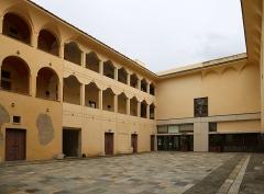 Citadelle et palais du Gouverneur, partiellement aménagé en Musée d'Ethnographie - English:   Musée de Bastia