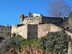 Citadelle et palais du Gouverneur, partiellement aménagé en Musée d'Ethnographie - Corsu:   U bastione Santa Maria, in Bastia, in u quartieru di a Citatella