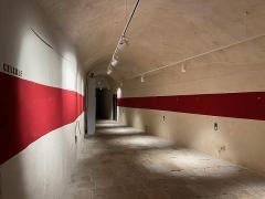 Citadelle et palais du Gouverneur, partiellement aménagé en Musée d'Ethnographie - Français:   Le couloir qui mène aux cellules de prison du Palais des Gouverneurs de Bastia, actuellement musée de Bastia