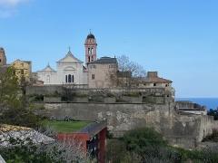Citadelle et palais du Gouverneur, partiellement aménagé en Musée d'Ethnographie - Corsu:   E muraglie di a citatella di Bastia è a catedrale Santa Maria